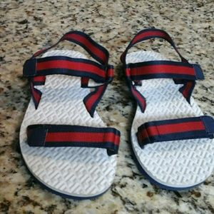 OLD NAVY  red &navy  sandals